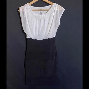SIMPLE & SEXY DRESS BY SWEET STORM SIZE SMALL